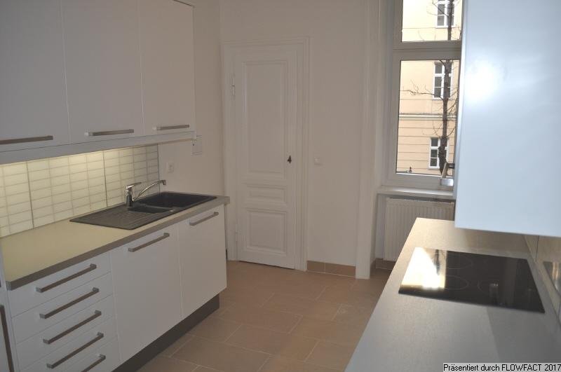 Küche ,Tür Speisekammer