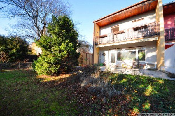 Doppelhaushälfte mit 290 m² Garten
