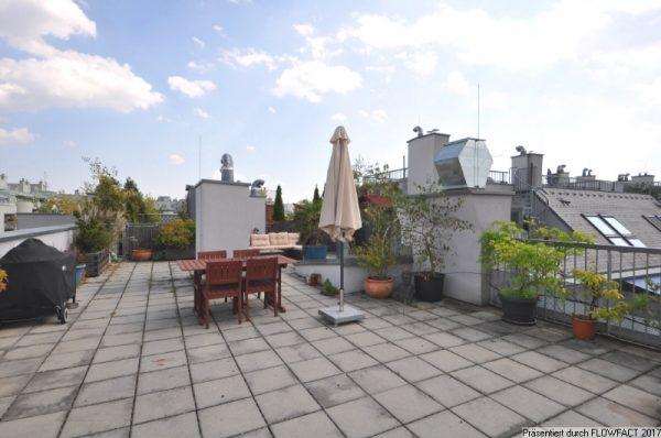 Mit 76m² Dachterrasse und Rundum-Ausblick