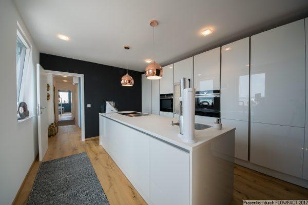 Dachgeschoss-Maisonette mit 65m² Terrassen, Weitblick und TOP-Ausstattung