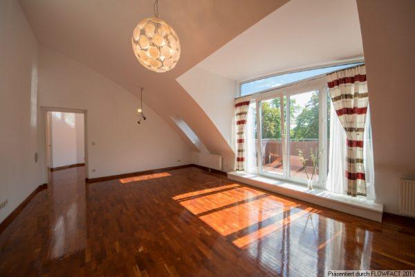Maurer Berg – mit 2 Terrassen, Lift und Garage