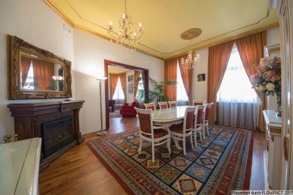 Klassisch sanierte Altbauwohnung mit 2 Bädern