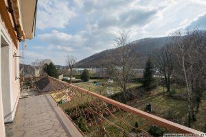 Purkersdorf – Villenetage im Dachgeschoss mit Balkon