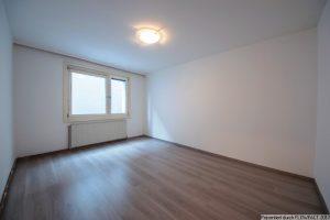 Renovierungsbedürftige Wohnung in guter Lage