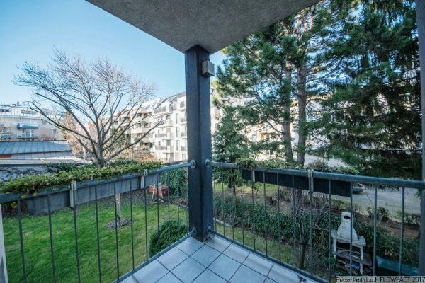 Nahe Liesinger Platz – ruhig, grün und mit Loggia
