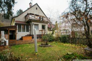 Kalksburg – renovierungsbedürftige Haushälfte mit Südgarten und Garage